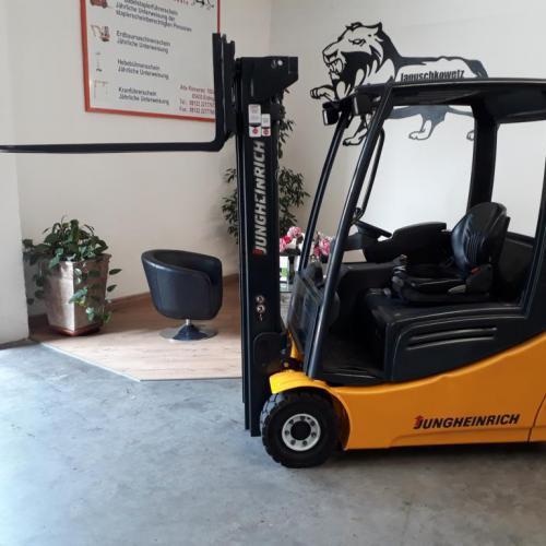 Jungheinrich EFG216